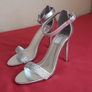 New Women's D Heart Heels Size 8.5